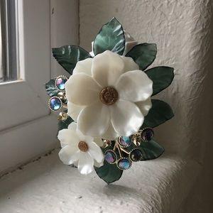 Bath & Body Works gorgeous magnolia wallflower